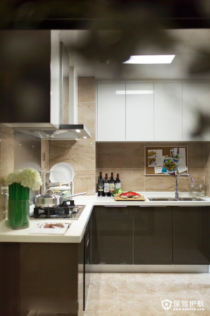 简单实用L行厨房动线设计装修效果图