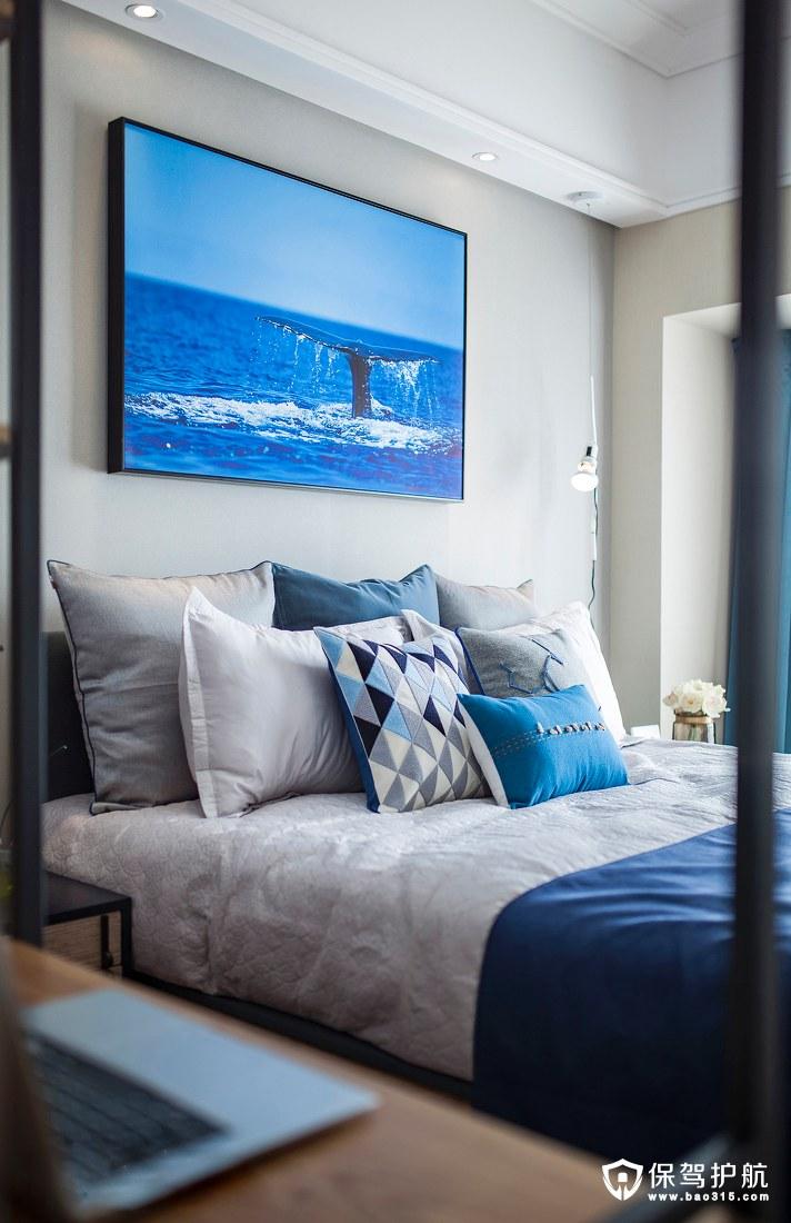 蓝色静谧卧室装修效果图