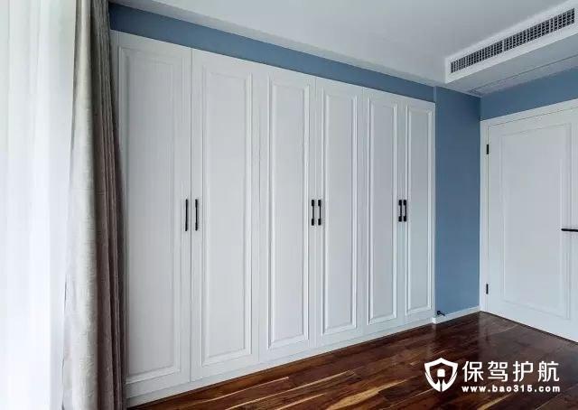 现代简约风格卧室嵌入式衣柜装修效果图