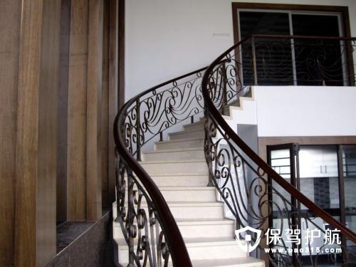 铁艺楼梯装修注意事项及其保养方法