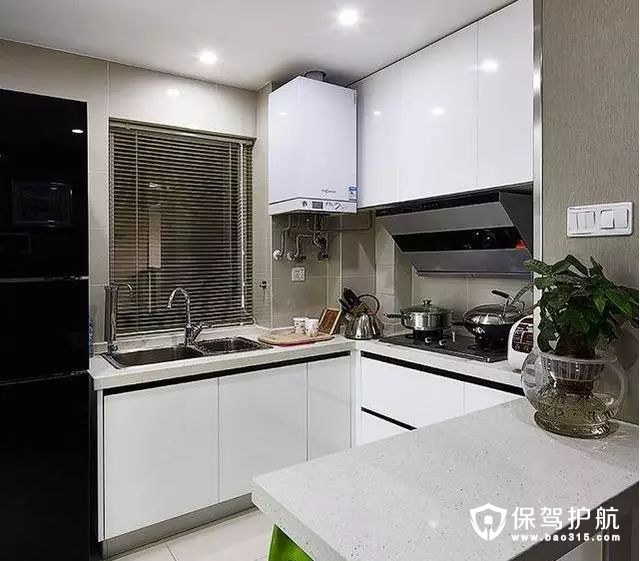 白色调现代简约风格厨房装修效果图