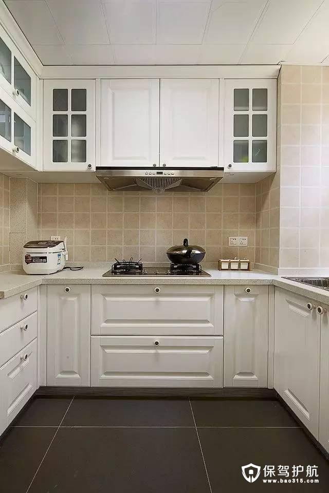 简洁干净白色简欧风格厨房装修效果图