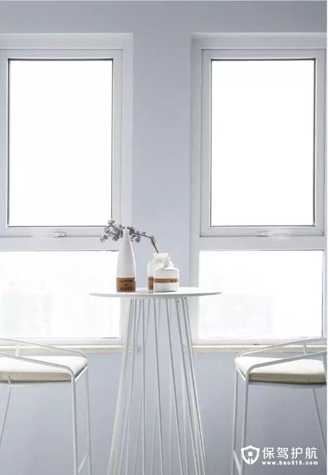 清新白色调北欧风格居室一角
