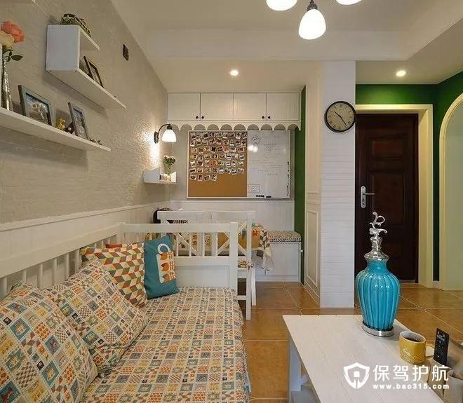 美式风格客厅鞋柜、复古调小圆钟