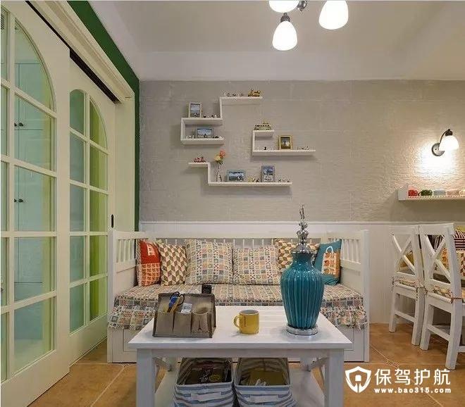 文艺精致美式风格沙发墙、沙发马赛克质感坐垫与抱枕