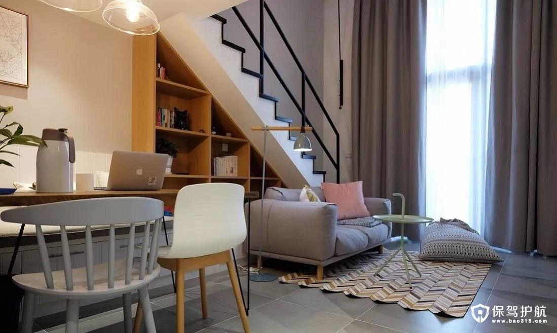 北欧风格黑色的楼梯扶手和台阶、飘窗