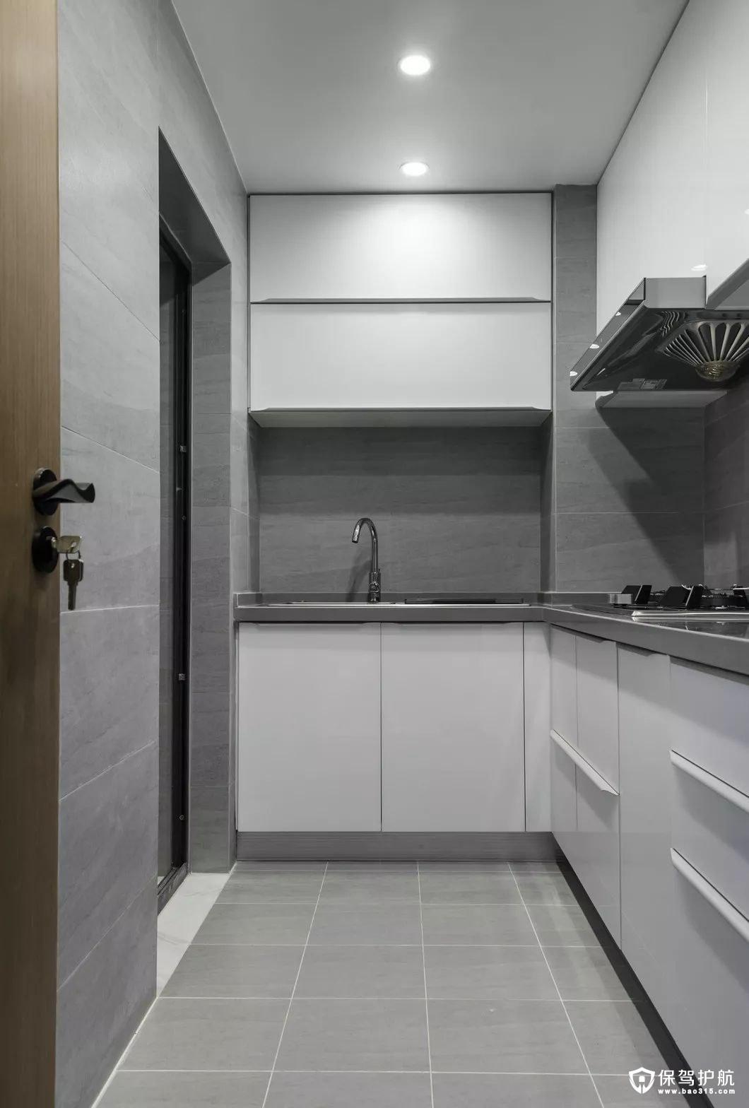 灰色调厨房白色一体式橱柜
