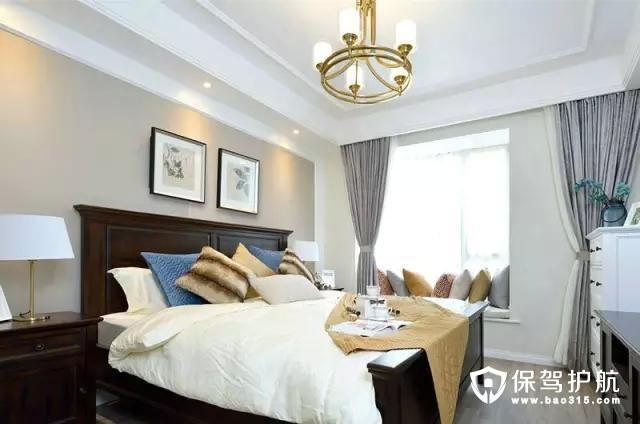 主卧空间采用了局部吊顶,墙面依旧以浅色为主色调,搭配实木床,色调也相对更对应