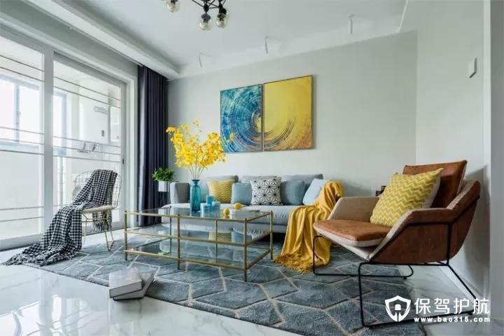 现代简洁的空间里摆上布艺沙发+地毯,在金属铁艺框架的茶几与沙发椅的搭配,结合沙发墙一幅独特的抽象放射装饰画,整个空间都显得充满了温馨优雅的氛围气息