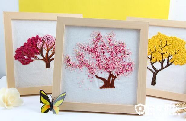 原色木材质的画框