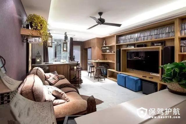 客厅电视背景墙也是以收纳为主,满墙的柜子延续了整个屋子。