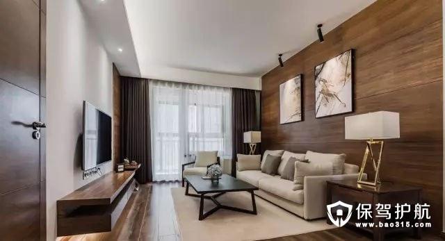 这是一套98平米两室两厅格局,设计师并没有用过于繁琐的造型和软装来对空间做过度的修饰,整个空间线条、材料质感和色彩搭配都很简洁、大气。