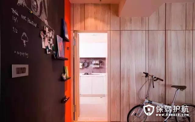 隐藏的厨房,不打开柜门还真不知道厨房在哪里。