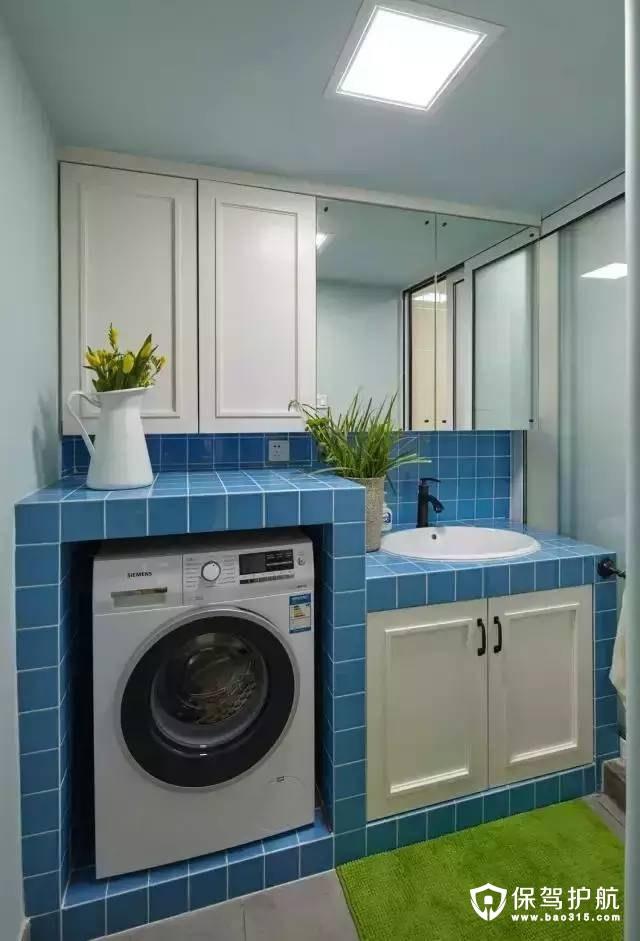 最后来看看卫生间了,洗衣机也放到这边了,柜子和玻璃一是放东西,一是扩大视线,都很有用的,干湿分离也是少不了~