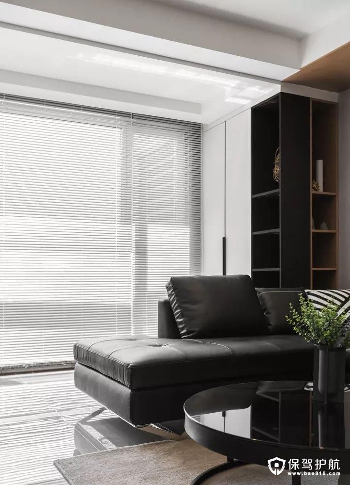 客厅黑色皮艺沙发