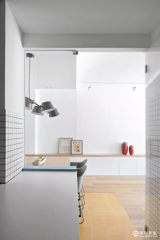 简约风格玄关原木色+白色小矮柜
