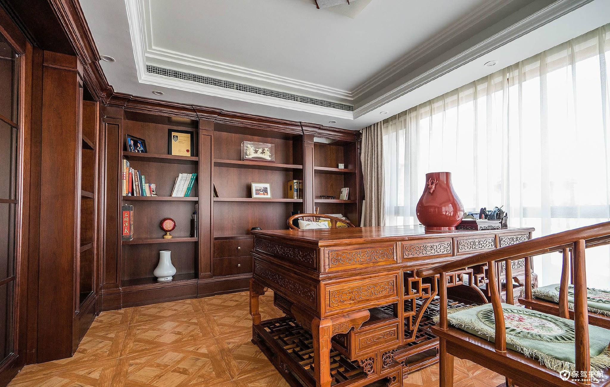 首页 装修攻略  装修风格 欧式别墅多具有艺术气质       书房整体