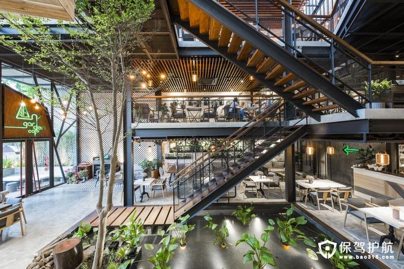 【探店】这家越南的咖啡馆装修由钢铁框架构成了空中花园