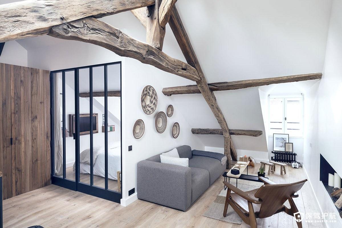 【设计】这间围绕木梁元素为主的现代与乡村风格结合的公寓装修,竟是一间阁楼!