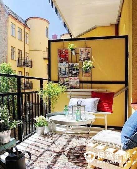 小户型客厅阳台装修技巧,小户型客厅阳台一体美观又实用