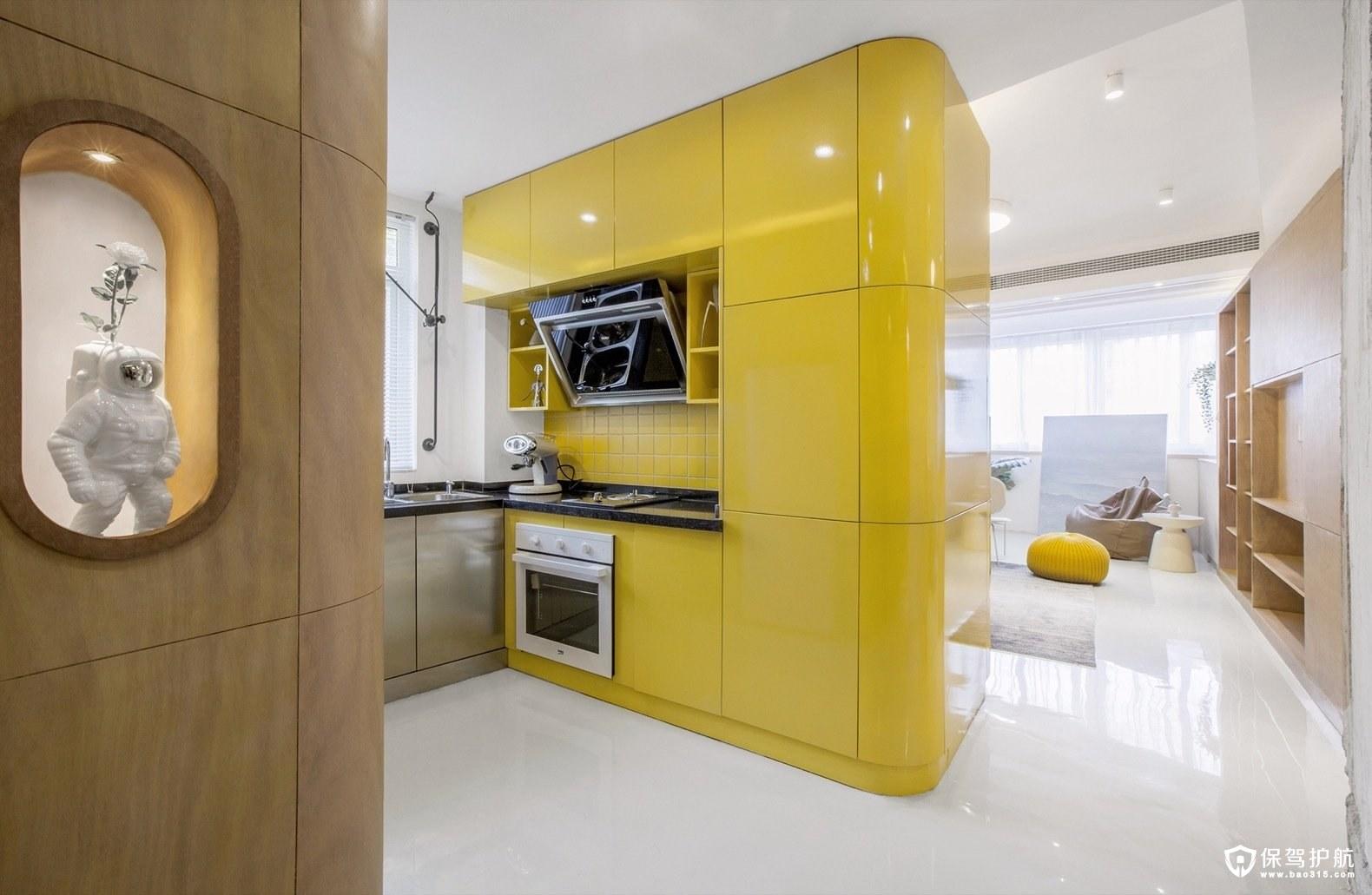 小公寓装修效果图,用旋转的方式巧妙地最大化了空间