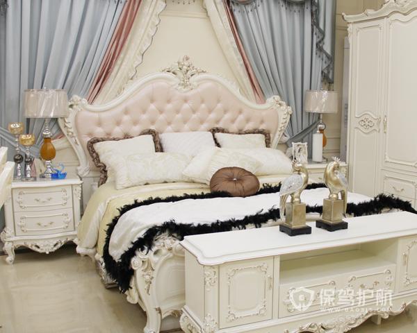 欧式卧室床头柜如何摆放 欧式卧室床头柜摆放风水禁忌