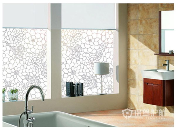 卫生间窗户贴膜的缺点和优点,卫生间窗户贴膜好吗?