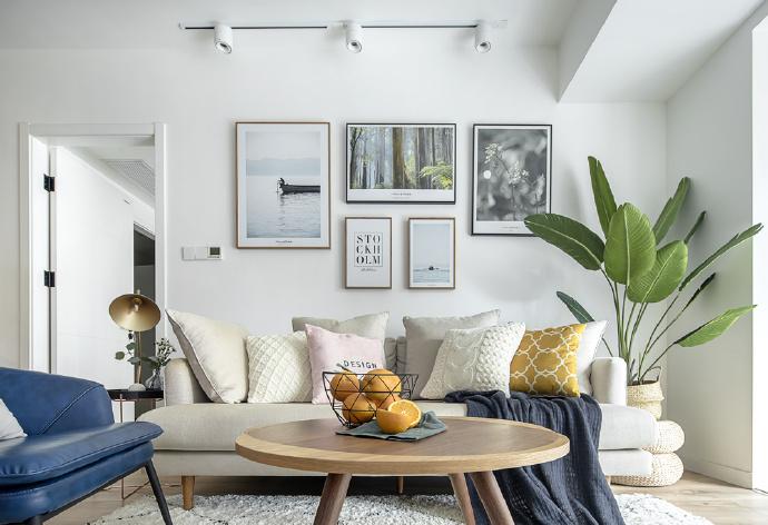 沙发墙挂画案例参考大全。