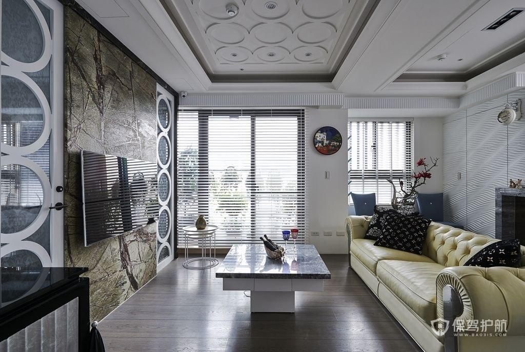 客厅与阳台隔断装修怎么做?