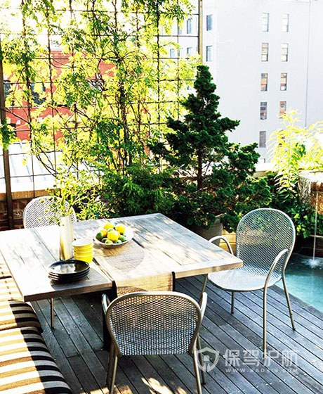 露台是一个开放的家庭空间,和其他居室的性质都不一