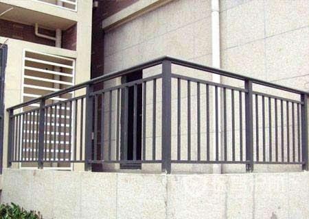 阳台栏杆高度怎么确定?阳台栏杆的立杆间距应该是多少?