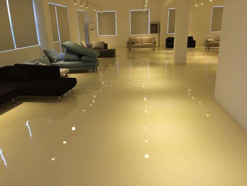 家装自流平地面的优缺点是什么?家装自流平地面一般要多少钱?-地板装修