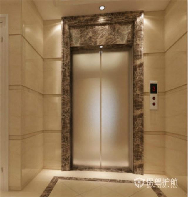 用什么大理石做大门门套好看? 首先要看是哪里的大门,室外的大门,小编建议选择合适的线条形状,如果是别墅或者是复试楼我觉得应该使用有美感的欧式线条形状,如果是平层或是简约装修可以采用简单样式的线条,在材质上可以选用上好的爵士白,或者进口深啡网。 室内大门门套可以与客厅地面的色调进行搭配,一般是米黄色,如西班牙米黄,阿曼米黄,世纪米黄等。