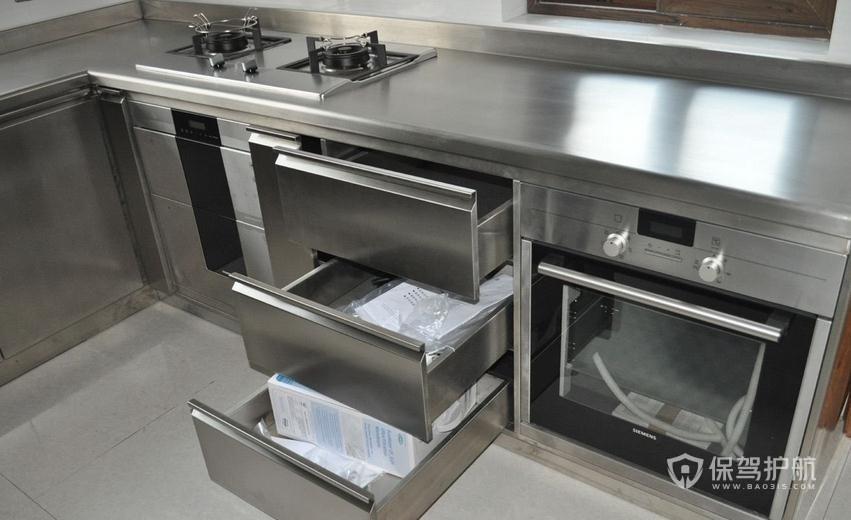 不锈钢台面厚度越厚越好吗?不锈钢橱柜尺寸多大合适?