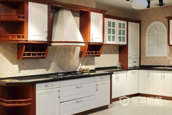 橱柜柜体用什么材料好?厨房橱柜安装效果图