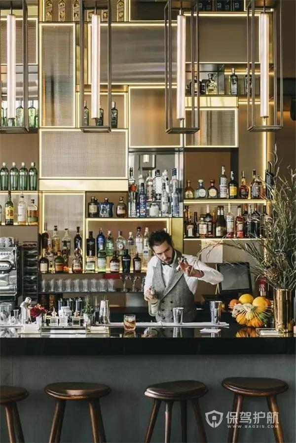 奢华大气的酒吧吧台装修设计