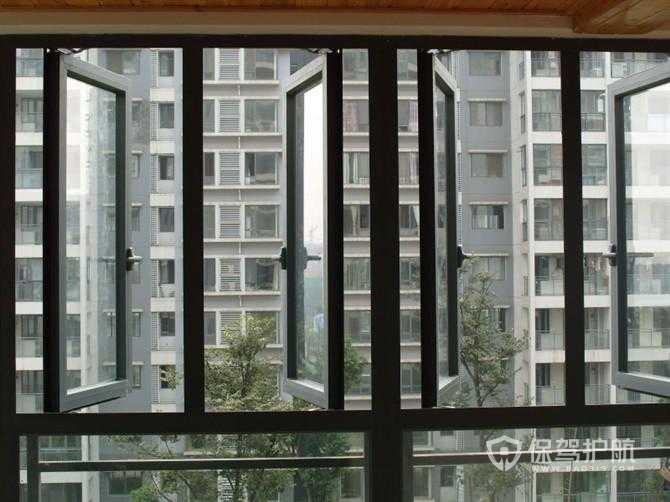 推拉玻璃窗和平推玻璃窗有什么区别?哪个更好?