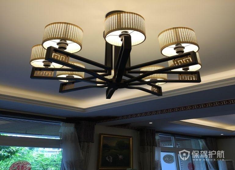 客厅装什么灯最实用?客厅灯具选购技巧有哪些?