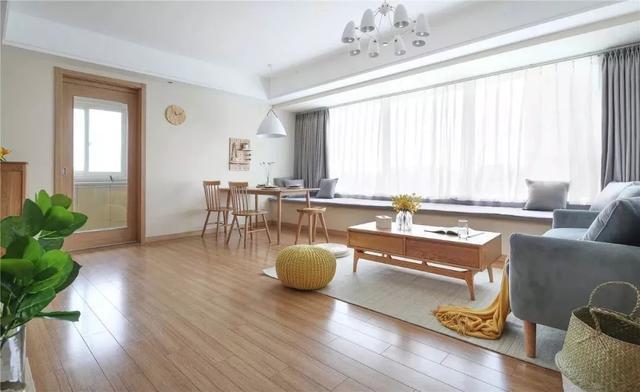 92㎡新房装修,简约风格设计很漂亮挑不出毛病!特别是客厅的飘窗装修!