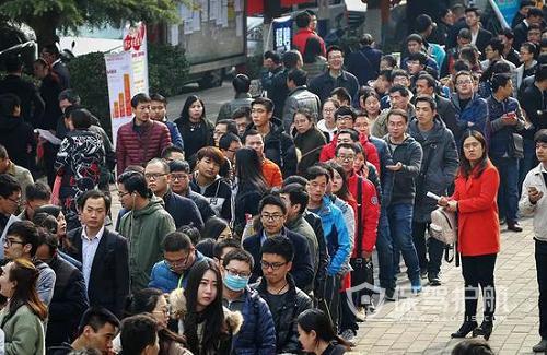 """2018中国人口图鉴:生育和人口流入的优势能否让广东""""躺赢"""""""