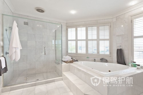 浴室污垢怎么去除?8个实用浴室清洁技巧帮你解决