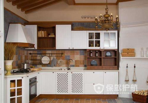 整体橱柜用什么材质好?橱柜的颜色哪种最大气?