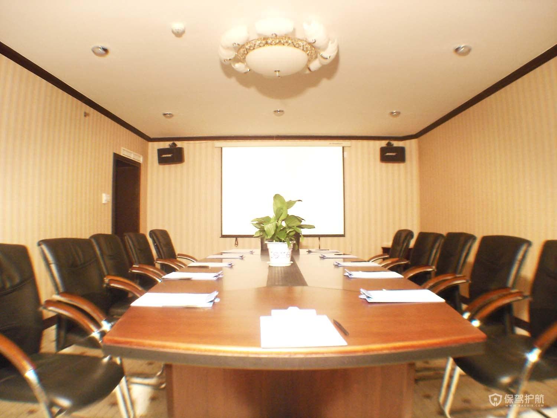 欧式吸顶灯开放式办公室效果图