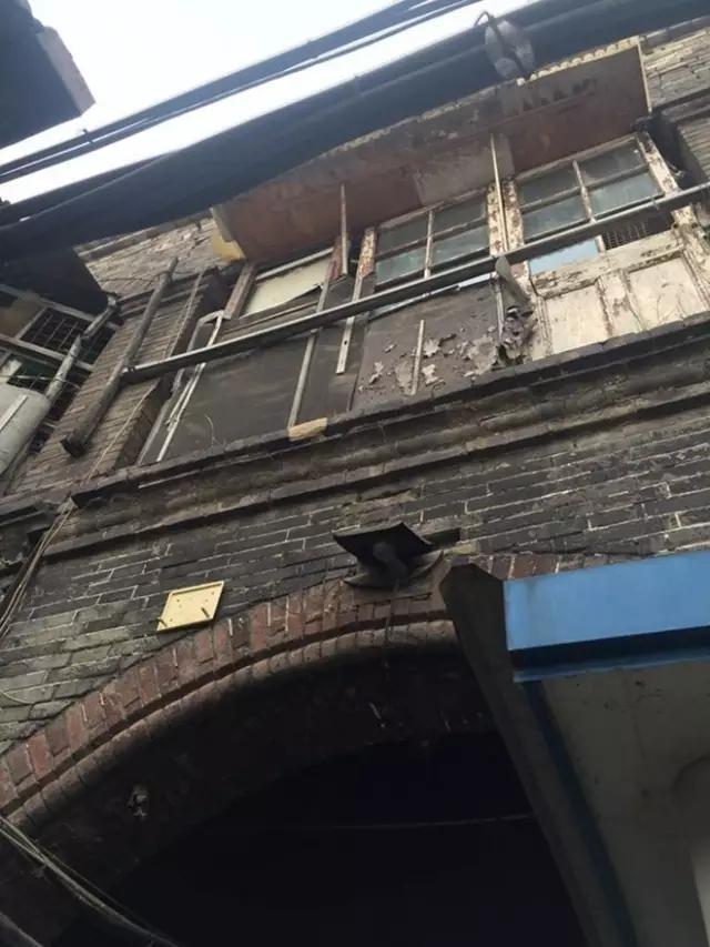 北京土著三代人同睡卧室每晚尴尬,19㎡小户型强人所难装修改造4室2厅