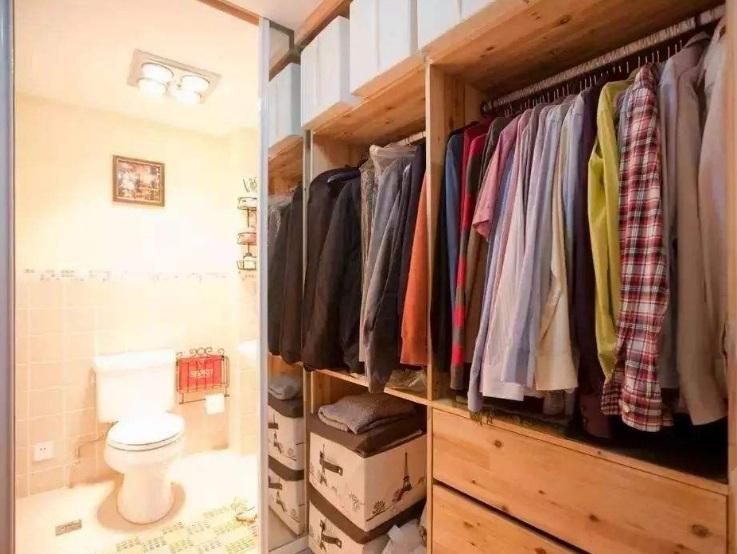 靠近厕所的衣帽间门防潮有哪些措施?
