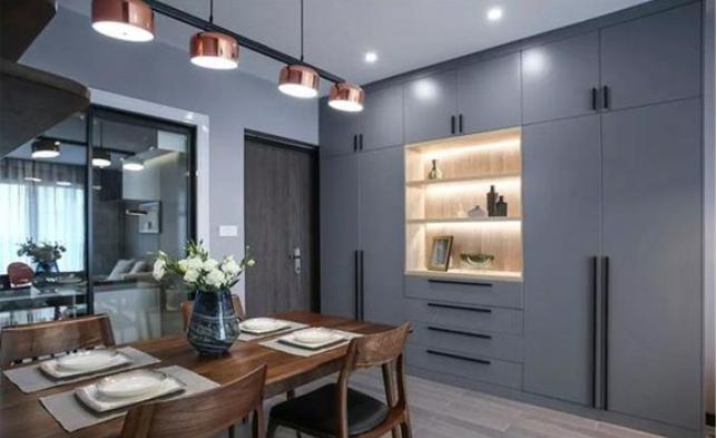 满满的木质家具,营造出简约、轻奢的三居室~