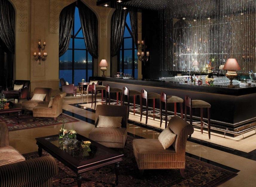 酒吧吧台背景墙装修效果图 酒吧吧台怎么装修设计?