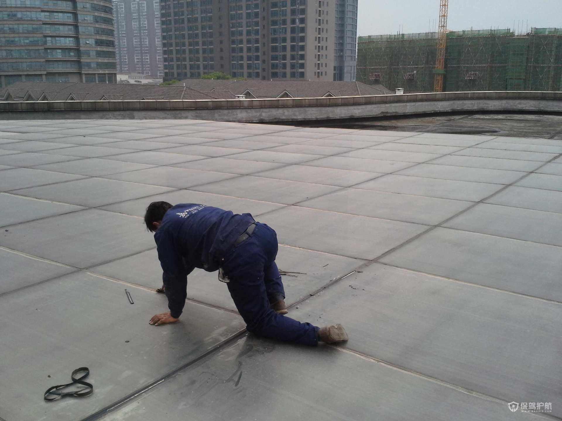 顶楼防水-保驾护航<a  href='http://www.meradance.com/'style='color:blue'>装修网</a>