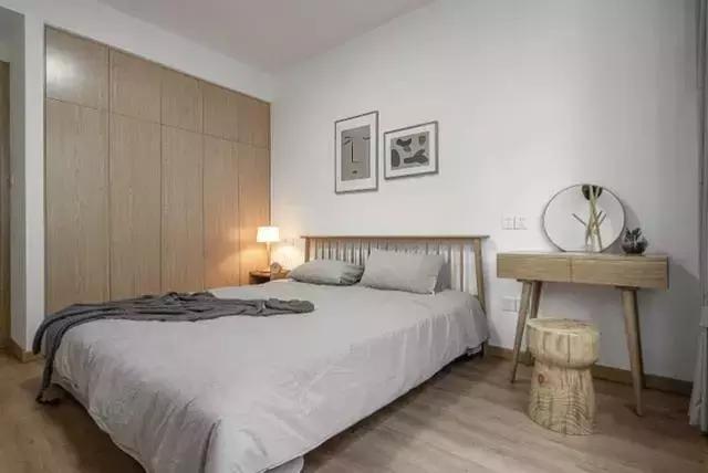 老公非要卡座代替沙发,小客厅装修宽敞好几倍,多出一房好惊喜!