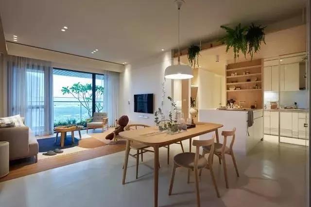 174m²简约原木风四居,这样装才有家的感觉,简单温馨不花俏!